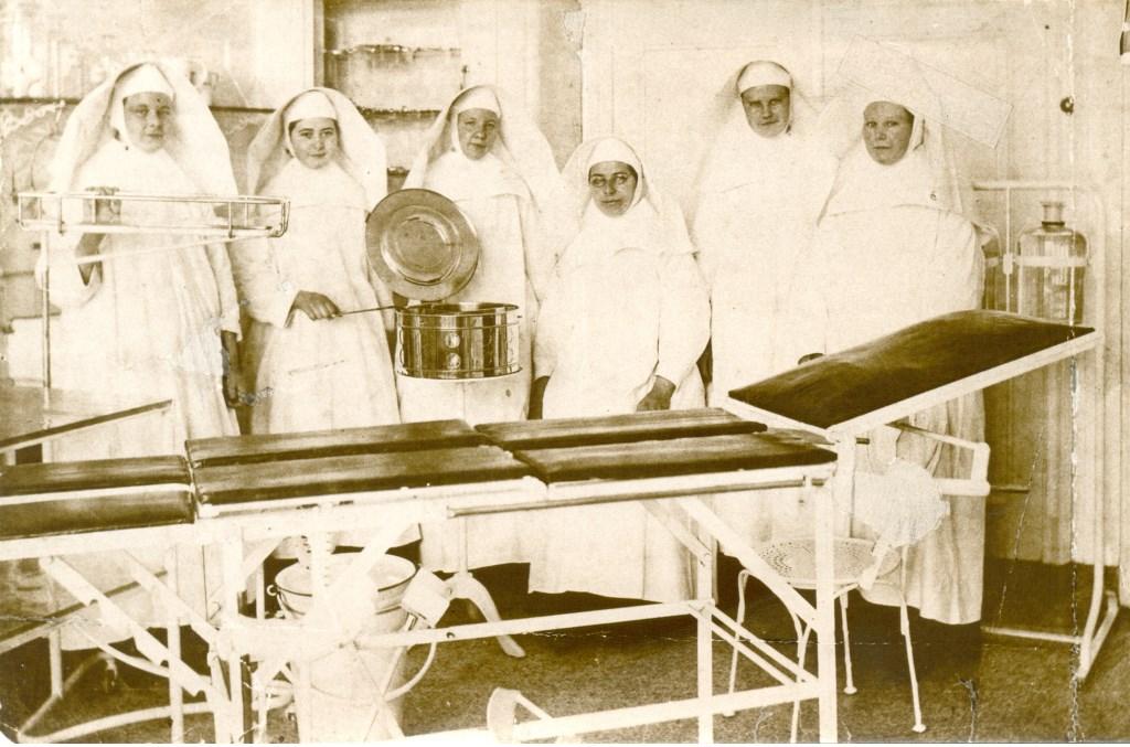 1914: Religieuzen in operatiekamer  © Kliknieuws Veghel