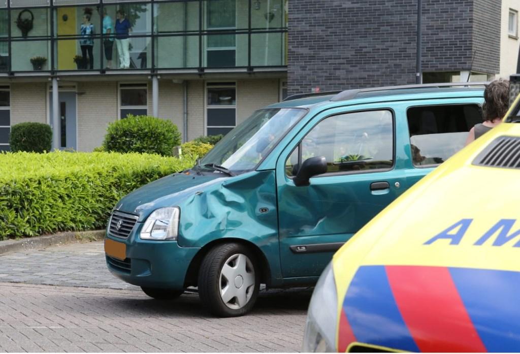 Ongeval op de Schaepmanlaan. (Foto: Maickel Keijzers / Hendriks Multimedia)  © 112 Brabantnieuws