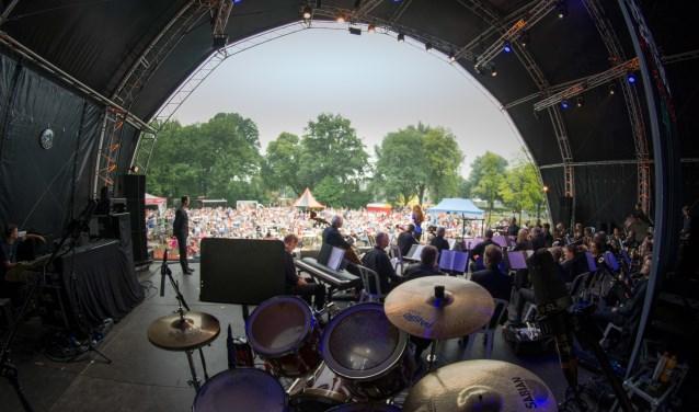 Het hart van het festival is het Julianapark.