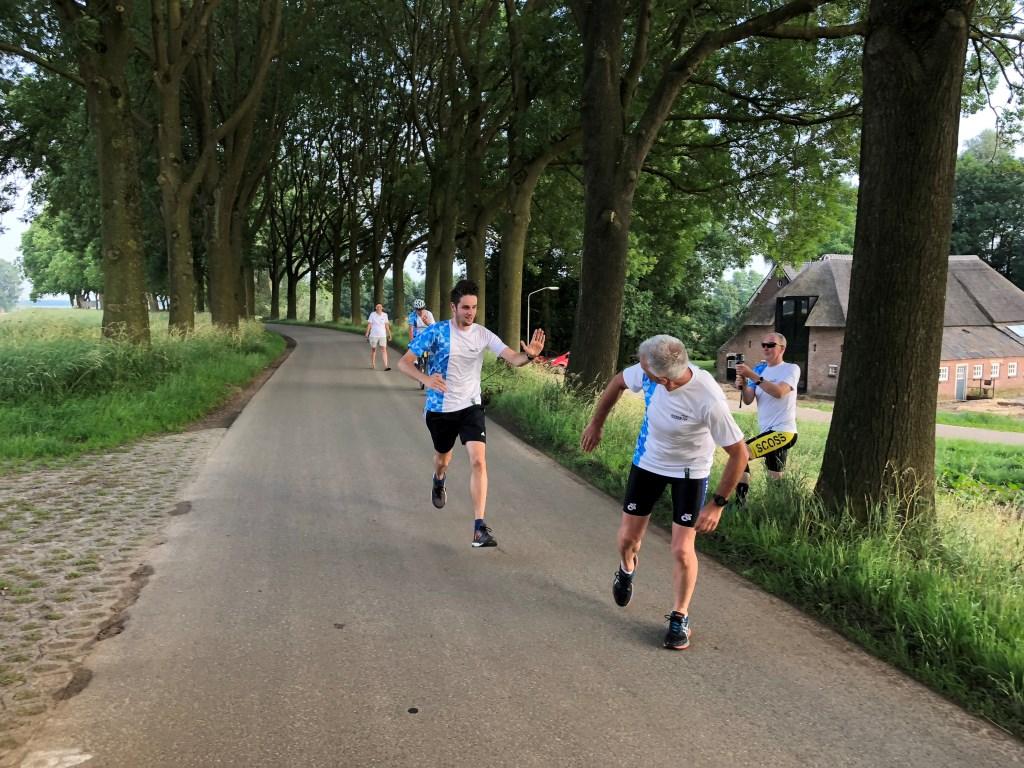 De organisatie van De Maasdijk verkent het parcours.  © Kliknieuws Oss