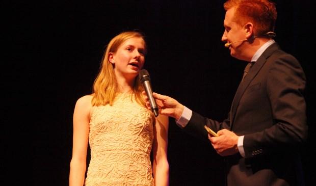 Marleen Buitenhuis uit Erp hier aan de tand gevoeld door Jan-Hein Opheij  tijdens de SportAwards