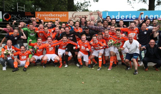 DAW promoveert naar de tweede klasse KNVB door winst op Alfa Sport