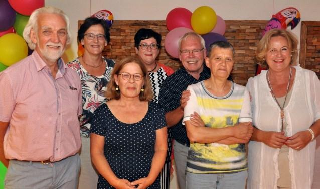 Geert Ploegmakers, Dorothé Doeleman, Jacky van Rooij, Marianne Bekkers, Ton Essens, Petra Keursten en Corinne Engelen (Joop Baaten ontbreekt).