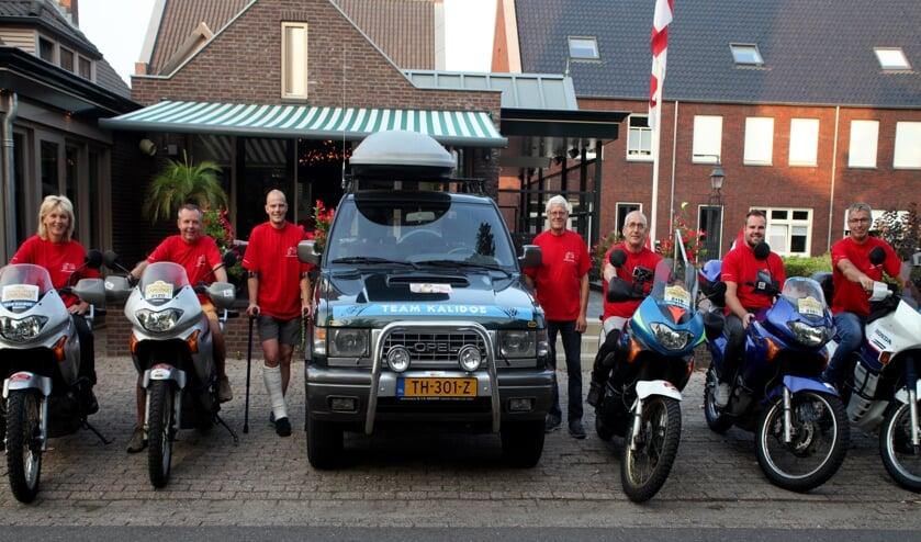 Het Team Kalidoe. Ton van den Tillart in het gips hoopt er bij te zijn.