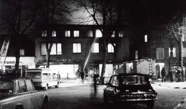 Brand bij het Wapen van Uden in 1976 (foto: Stichting Het Uden-archief van Bressers)