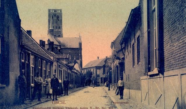 De Peperstraat in Oss, gezien vanaf de Heuvel. 1915. Collectie Stadsarchief Oss.