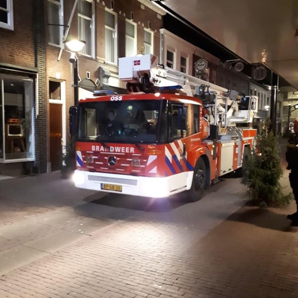 De brandweer hielp.  © Kliknieuws Oss