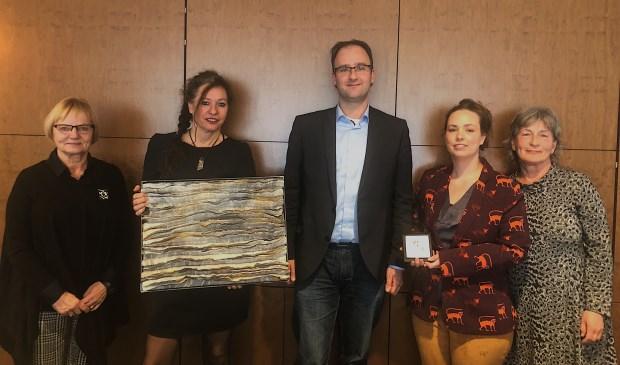 Hanny Pasmans (Fabriekswinkel), Annie Veldkamp (kunstenares), Menno Roozendaal (wethouder), Matilde Boelhouwer (kunstenares), Det Verbunt (Fabriekswinkel)