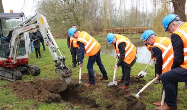 In maart vorig jaar werd er gestart met de aanleg van glasvezel in het Land van Cuijk. De gemeente Gennep krijgt nu ook een glasvezelnetwerk.