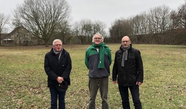 De leden van burgerinitiatief Knarrenhof. Vanaf links: Nol van Est, Rien Laracker en Harry van de Geer. (foto: Jos Gröniger)