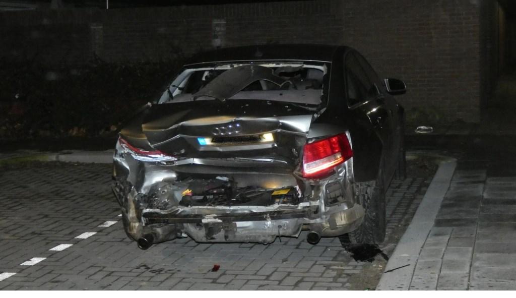 Auto's lopen veel schade op na ongeval in Hertog Hendrik I-straat  © 112 Brabantnieuws