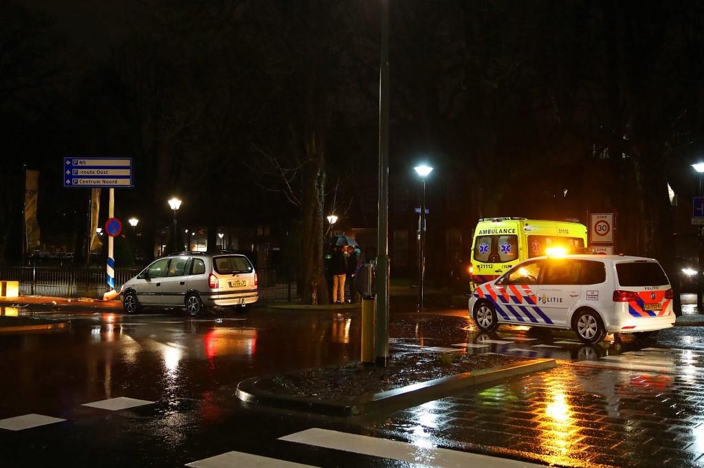 Ongeval op de Raadhuislaan. (Foto: Gabor Heeres / Foto Mallo)  © Kliknieuws Oss