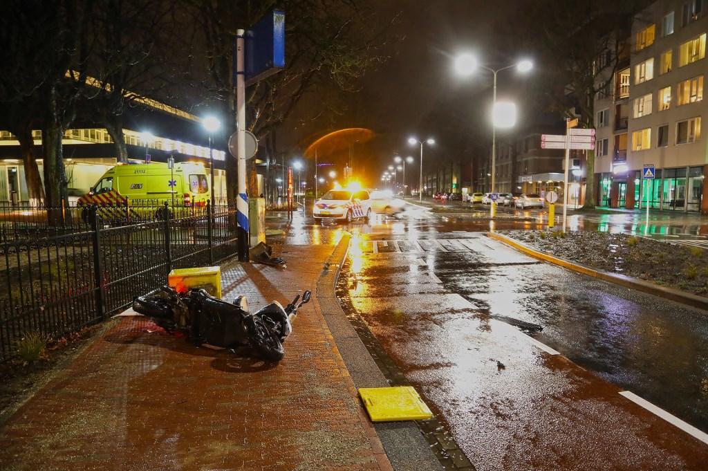 Ongeval op de Raadhuislaan. (Foto: Gabor Heeres / Foto Mallo)  © 112 Brabantnieuws