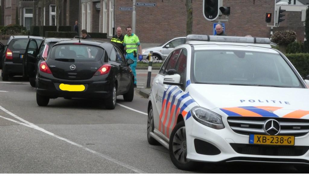 Ongeval op de kruising van de Nieuwe Hescheweg / Molenstraat. (Foto: Thomas)