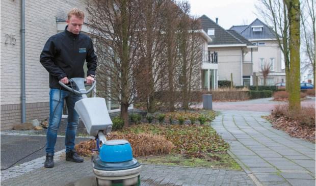 Veghelaar Nick van der Horst is gestart als De Borstelman.