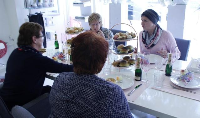 De dames konden onder meer genieten van een heerlijke high tea van Hotel Van der Valk Uden-Veghel.