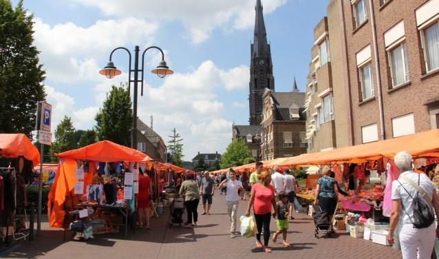De Veghel Vaderdag Vlooienmarkt trekt elk jaar veel bezoekers.