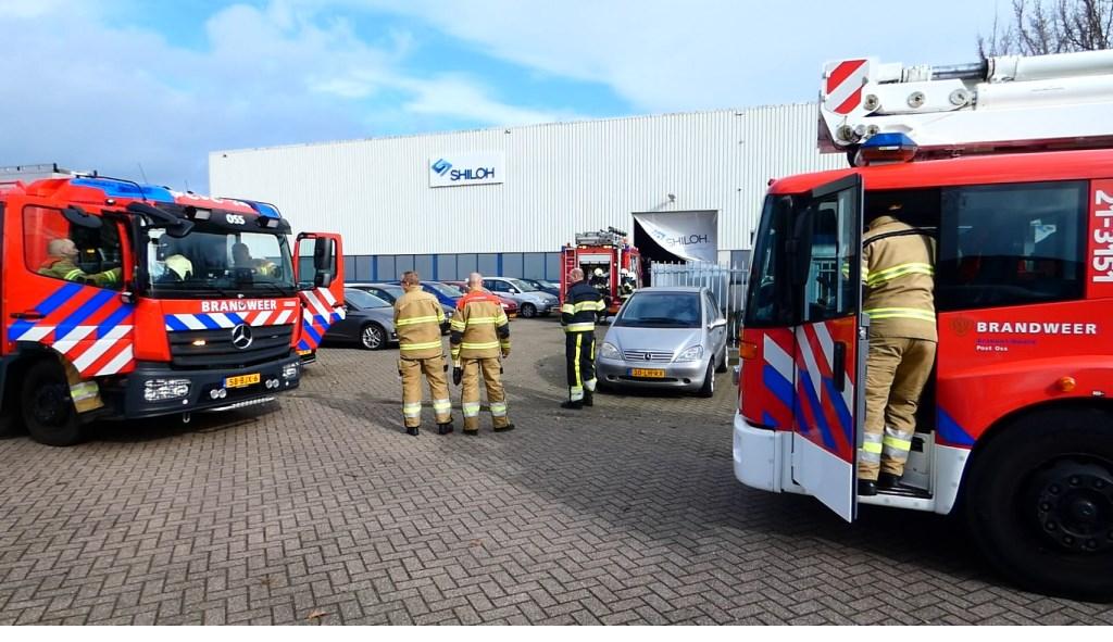 De brandweer in de Rijnstraat. (Foto: Thomas)  © Kliknieuws Oss