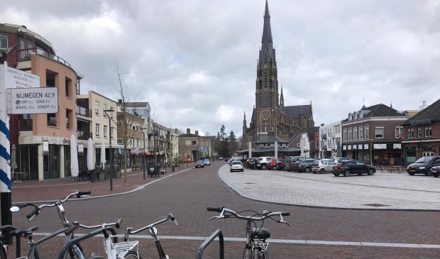 Parkeerproblematiek op de Veghelse Markt.
