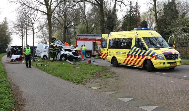 Slachtoffer bekneld bij ernstig ongeval op Berghemseweg. (Foto: Charles Mallo / Foto Mallo)