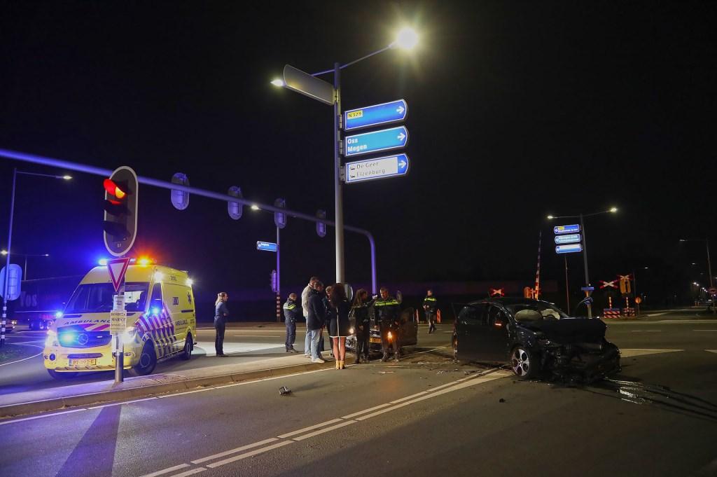 Ongeval op kruising. Foto: Gabor Heeres / Foto Mallo