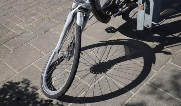 Fietser gewond bij ongeval op de Boterstraat. (Foto: Gabor Heeres / Foto Mallo)  © Kliknieuws Oss