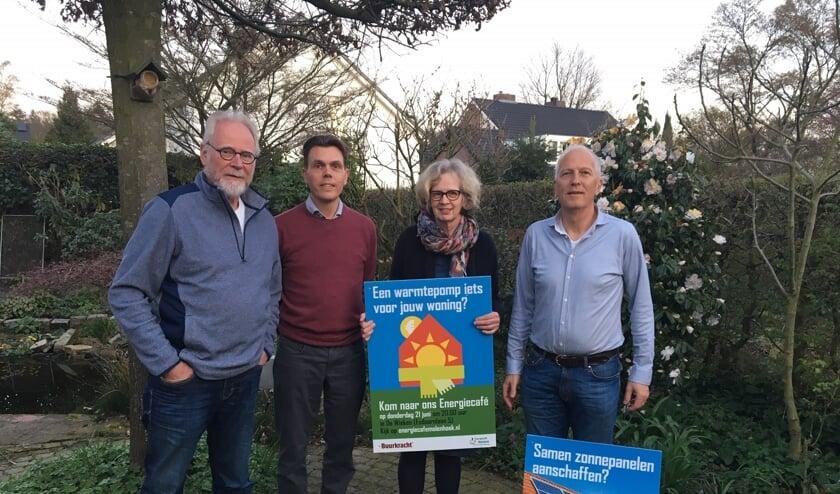 Barny Versteegen, Maree Waelput, Tolé Hoep en Paul Meindersma van Energiecafé Molenhoek. Op de foto ontbreken Kirsten van Noord en Ronald ter Horst.