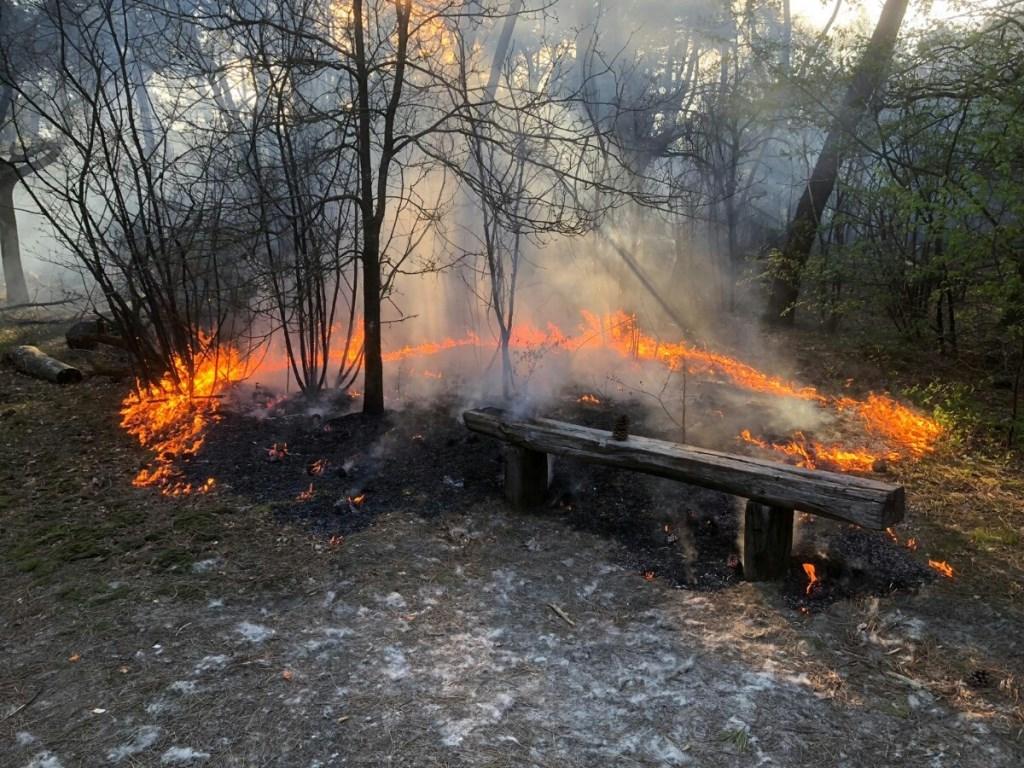 Brand in Geffen. (Foto: Lars Vorstenbosch)