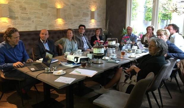De brancheorganisaties RECRON, Koninklijke Horeca Nederland en ZLTO en de Verenigde recreatieondernemers Meierijstad (VRM) nemen deel aan het platform. Ook vertegenwoordigers van de recreatiegebieden (Vlagheide, Kienehoef, Noordkade) en partijen actief in de diverse kernen schuiven aan.