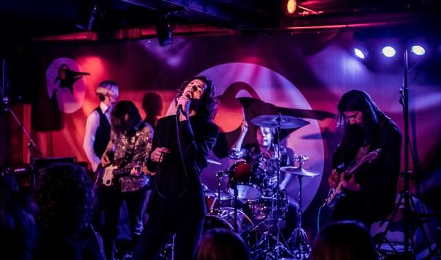 The Naked Sweat Drips tijdens hun eerste optreden dit jaar. (foto: Marcel Krijgsman)