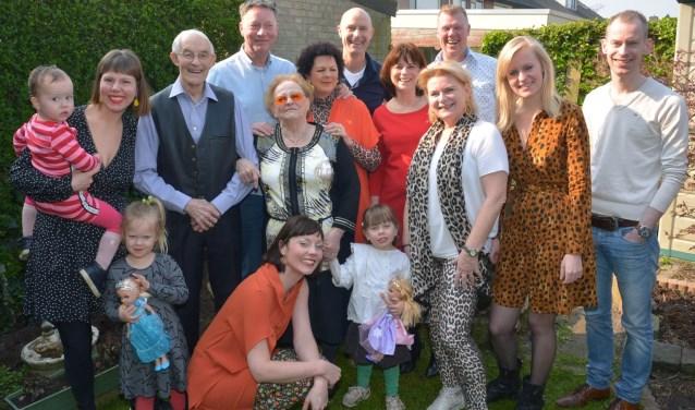 De familie van Jos en Rietje. (foto: Henk Lunenburg)