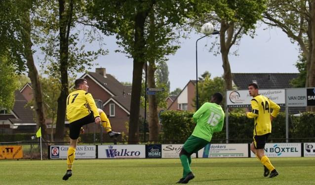 Benjamin Duah namens FC Schadewijk. (Foto: John van Deursen)