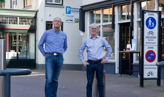 Hans Maassen en Peter Goes van de SOB (Stichting Ontwikkelingssamenwerking Boxmeer).
