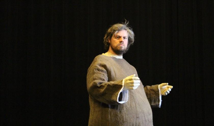 Vlaming Koen Janssen speelt de hoofdrol in het stuk Zuster Motor. De repetities verlopen voorspoedig.