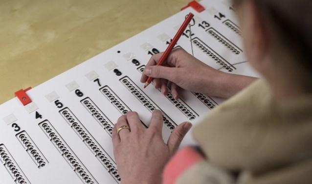 Stemmen met een visuele beperking kan een hele uitdaging zijn. In Grave hebben ze goede oplossingen!