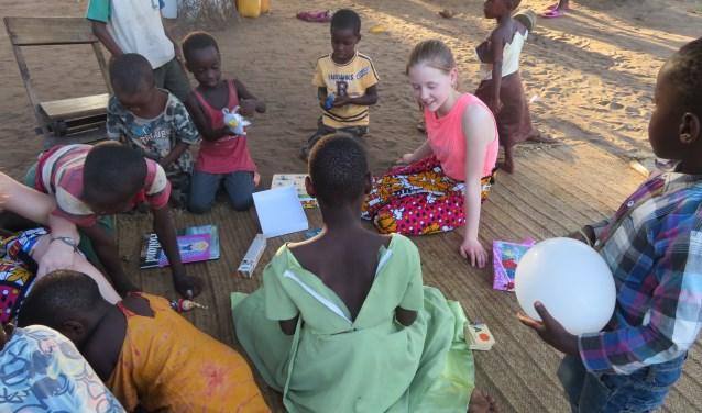 Eline in Kenia. Ze wil graag nog eens terug!