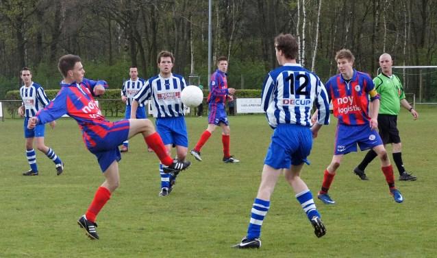 Heijen heeft zich voor volgend seizoen versterkt met Tijn Wabeke. (archieffoto: Voetbal-shoot.nl)