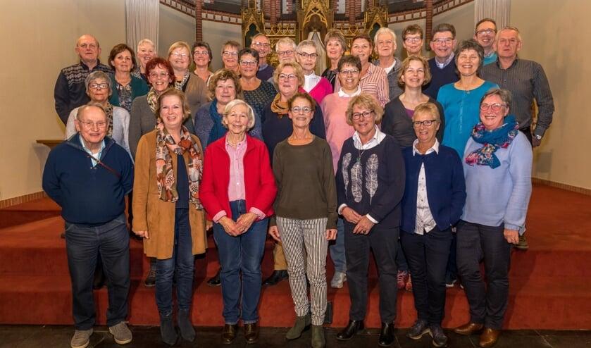 De leden van het koor nu (foto: Peter Noy)