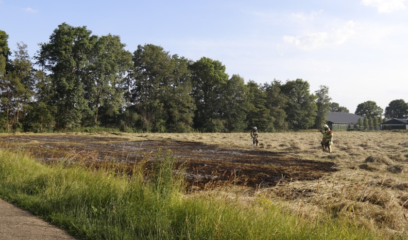 Een weiland in Sint Anthonis is dinsdag deels afgebrand.