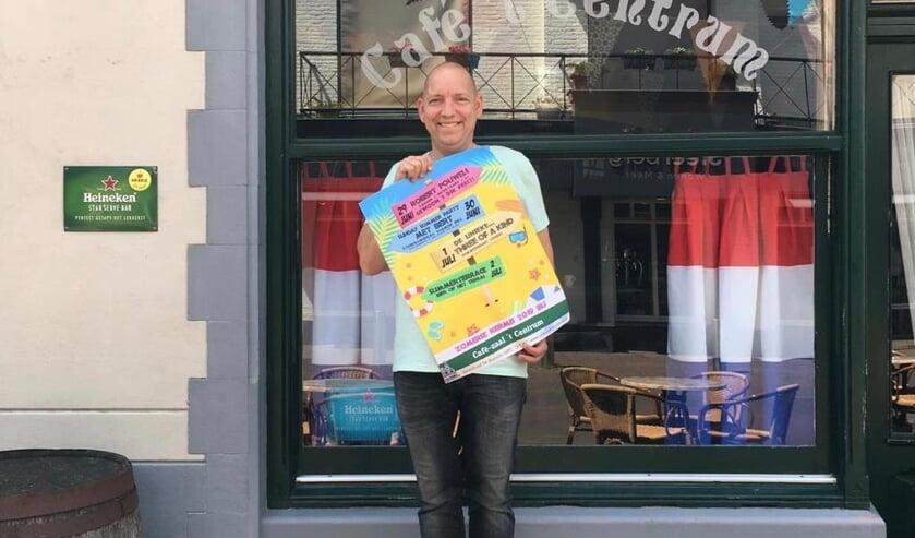 Café 't Centrum pakt volgens kastelein Pascal Leenhouwers uit met een zomerse party tijdens de kermis.