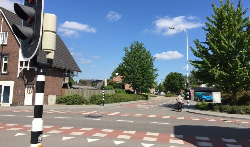 De beoogde fietsroute loopt via de Rembrandt van Rijnstraat via de Oranjestraat naar het Elzendaalcollege.