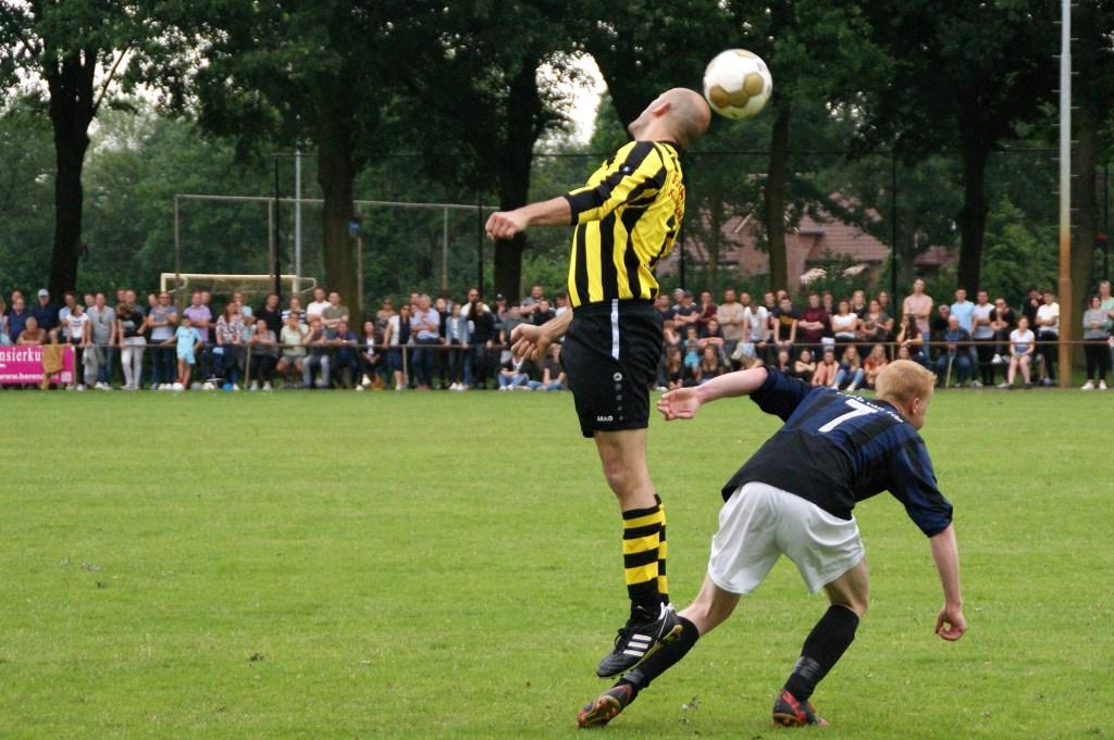 VIOS'38 is ten koste van HBV gepromoveerd naar de vierde klasse. (foto: Jeff Meijs/Voetbal-shoot.nl)  © Kliknieuws De Maas Driehoek