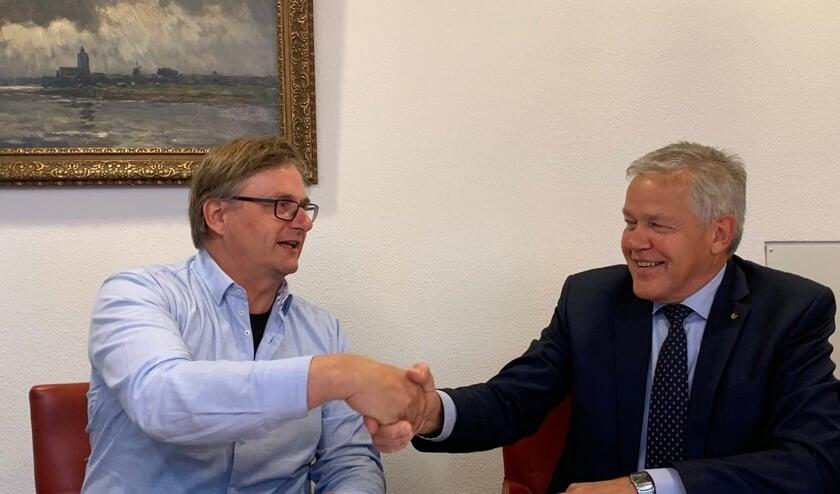 Afgelopen vrijdag hebben wethouder Gerard Stoffels namens de gemeente Cuijk en Toon Ebben van Boomkwekerij Ebben de erfpachtovereenkomst ondertekend voor het te ontwikkelen Landschapspark De Heerlijckheid Cuijk
