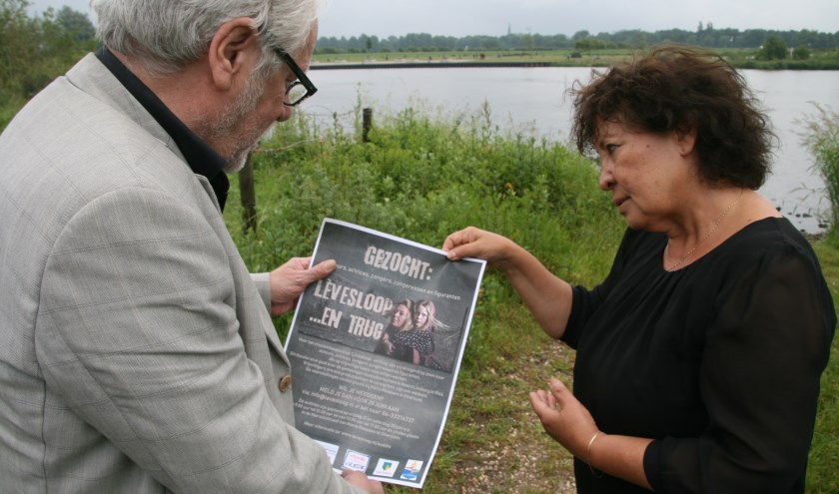"""Fred Hoskens en Bia Sarton van muziektheaterstuk 'Lèvesloop ...en trug'. """"Maar weinig mensen kennen het verhaal van de evacuatietochten in 1944."""""""