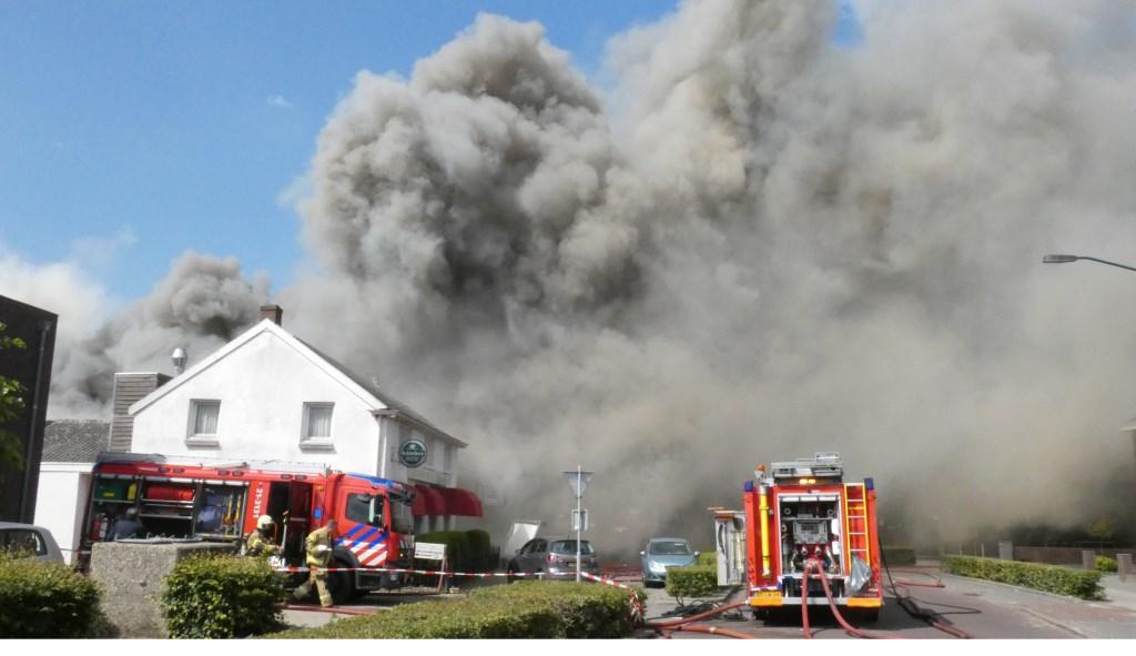 Brand in Berghem. (Foto: Thomas)  © Kliknieuws Oss