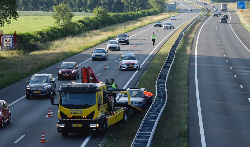 Een Duitse automobilist heeft zondag op de A73 een eenzijdig ongeluk gehad.