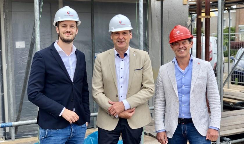 Wethouder Rik Compagne, Jan van Vucht (directeur Area) en Arno van der Heijden, (Van der Heijden Bouw en Ontwikkeling).