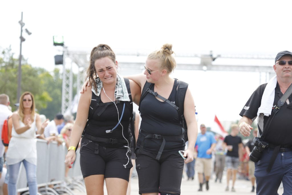Bikkelen op de vierde en laatste Vierdaagsedag. Soms tot huilens toe. Ten Haaf Fotografie © Kliknieuws De Maas Driehoek
