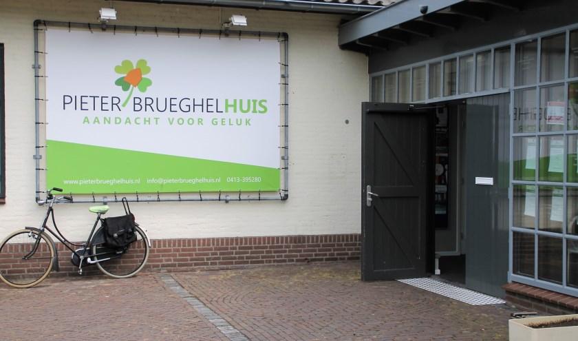 De deur aan het Middegaal 25 in Veghel blijft open.