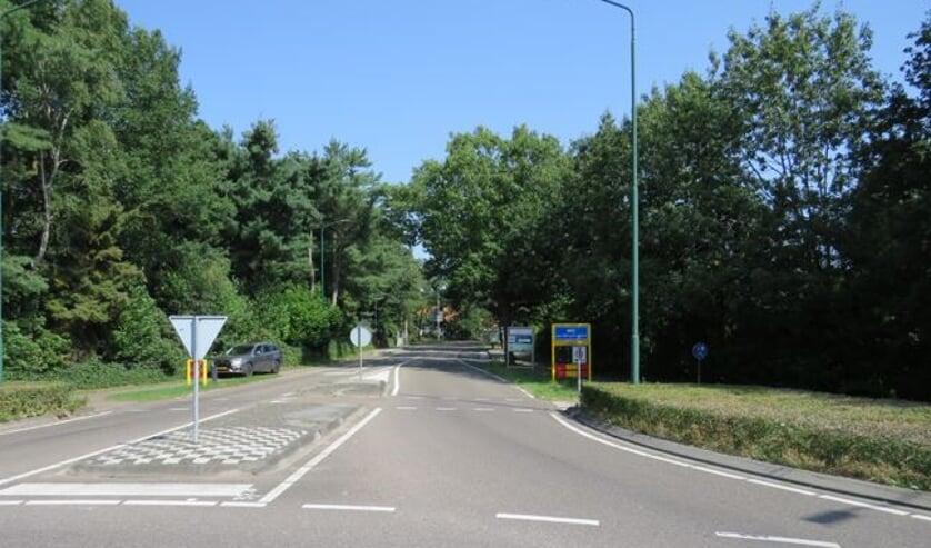 De Vorleweg in Mill nabij de rotonde op de N264.